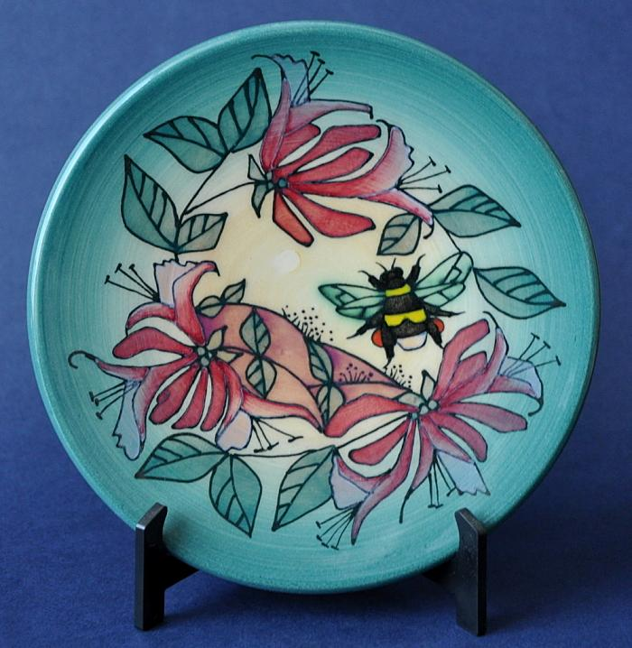 Dennis Chinaworks Humble Bee Roundel Sally Tuffin