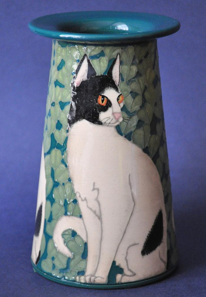Dennis Chinaworks Black and White Cat 5