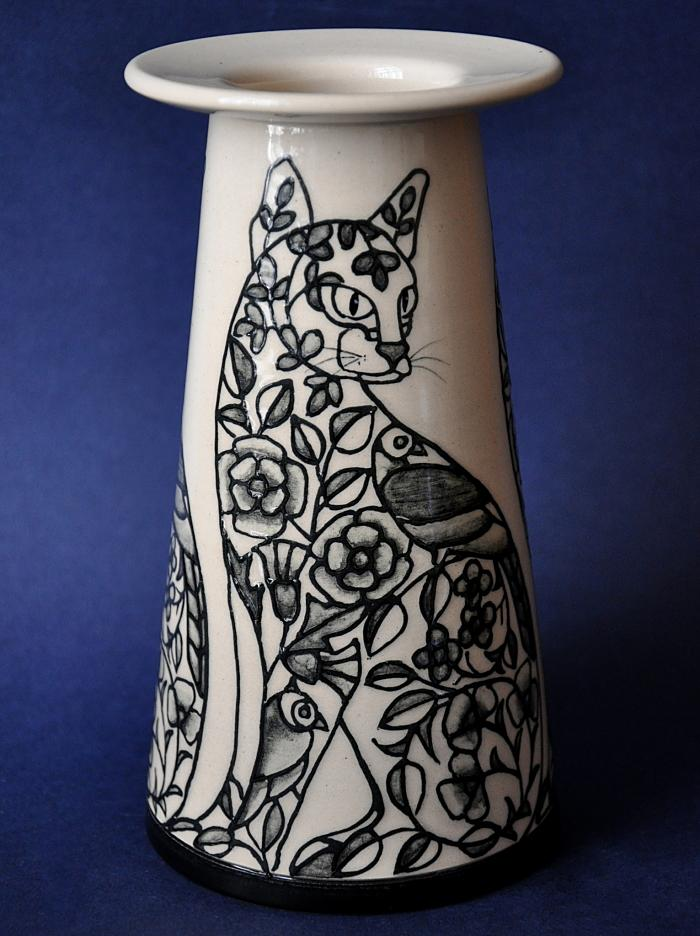 Dennis Chinaworks Embroidery 7 Cat Vase Sally Tuffin