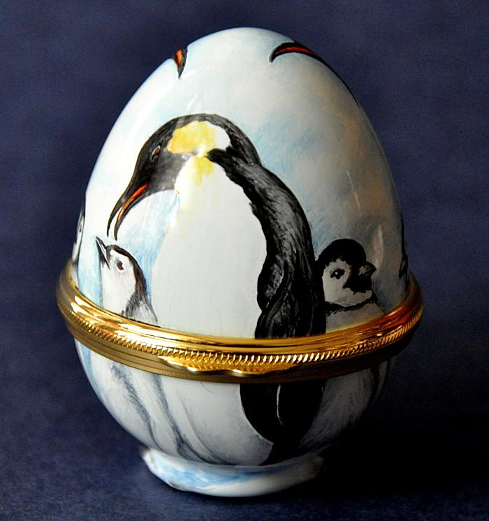 Elliot Hall Enamels Emperor Penguins W3-EP Egg