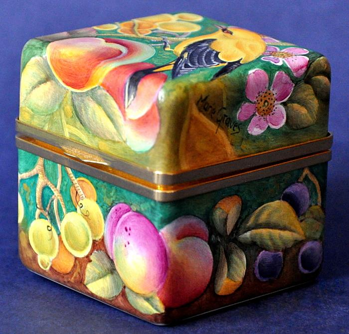 Elliot Hall Enamels Golden Oriole AB2 GO Box Marie Graves