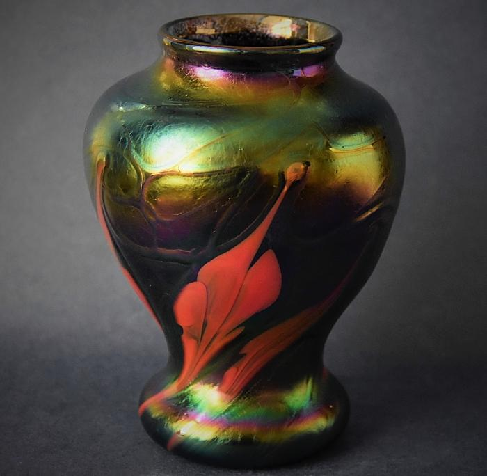 Black Vase With Red Flowers Y14 Kayleigh Young Glass