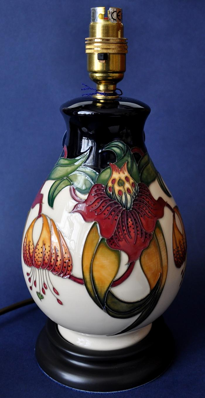 Moorcroft Lamps Anna Lily L7/7 Nicola Slaney Open Edition