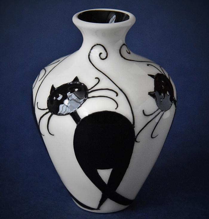 Moorcroft Pottery 03/4 Feline Friends Nicola Slaney An Open Edition