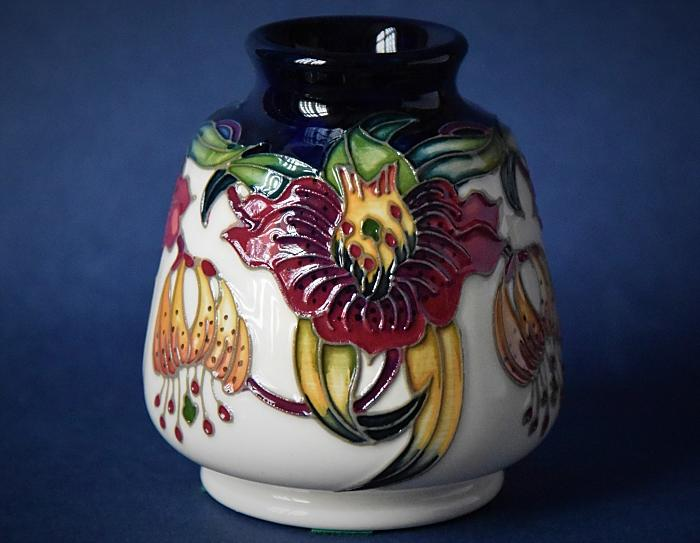 Moorcroft Pottery 198/3 Anna Lily Nicola Slaney An Open Edition