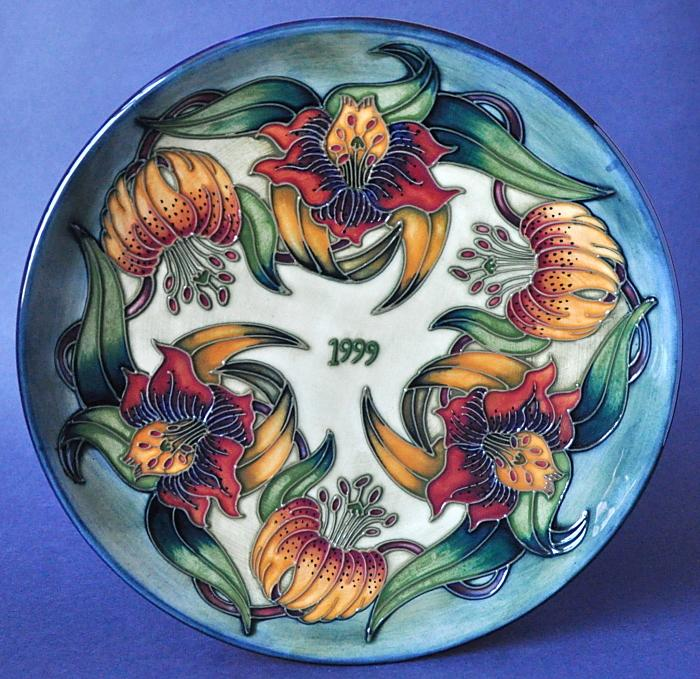 Moorcroft Pottery 1999 Year Plate Limited Edition of 750