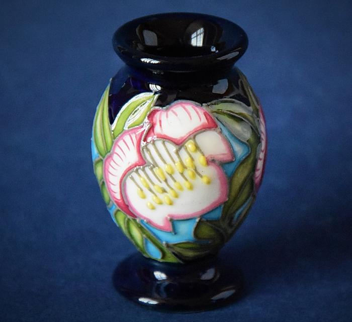 Moorcroft Pottery 370/2 Helleborus Kerry Goodwin An Open Edition