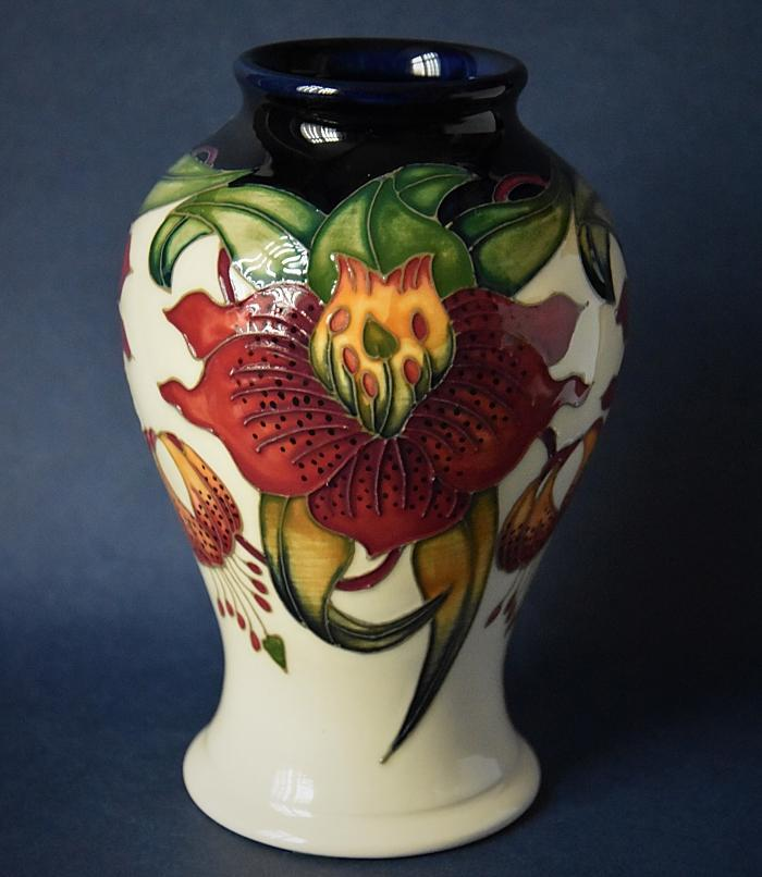 Moorcroft Pottery 65/6 Anna Lily Nicola Slaney An Open Edition Order by Telephone 01789 269405