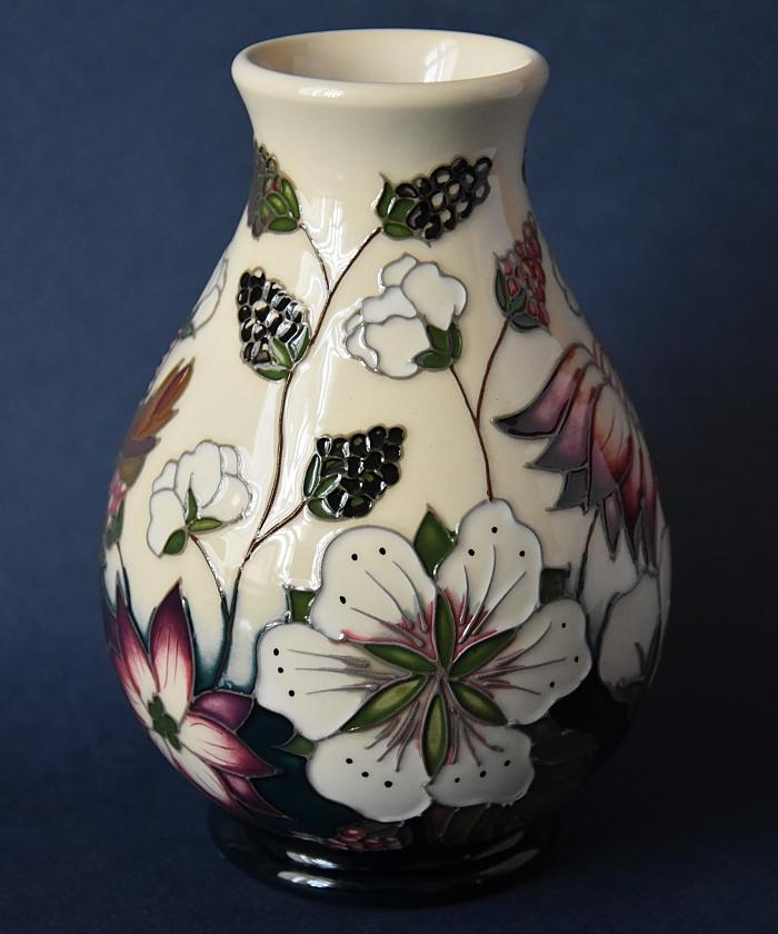 Moorcroft Pottery Bramble Revisited 7/5 Alicia Amison