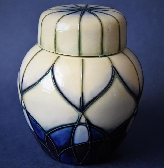 Moorcroft Pottery 769/4 Indigo Open Edition