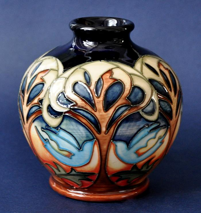 Moorcroft Pottery Blue Dove 41 4