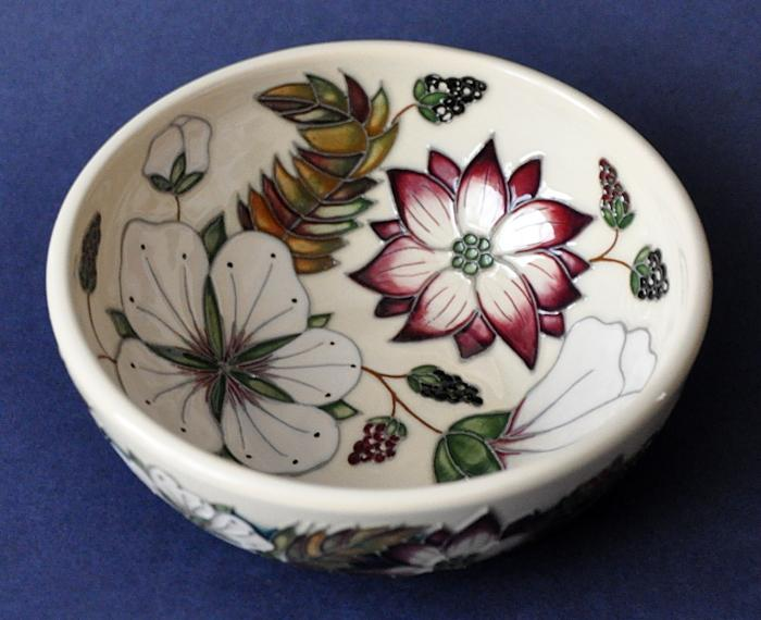 Moorcroft Pottery Bramble Revisited 711/6 Alicis Amison