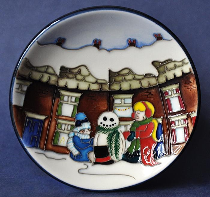 Moorcroft Pottery Christmas Morning 780 4 Vicky Lovatt