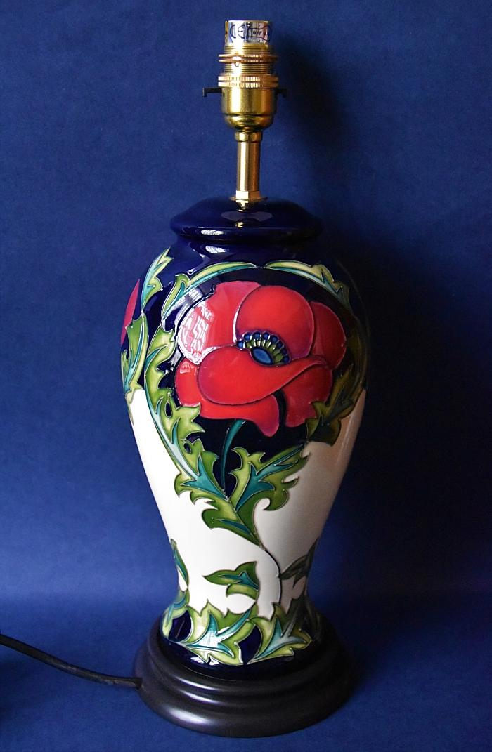 Moorcroft Pottery Lamp L46/10 Pavot Rachel Bishop An Open Edition