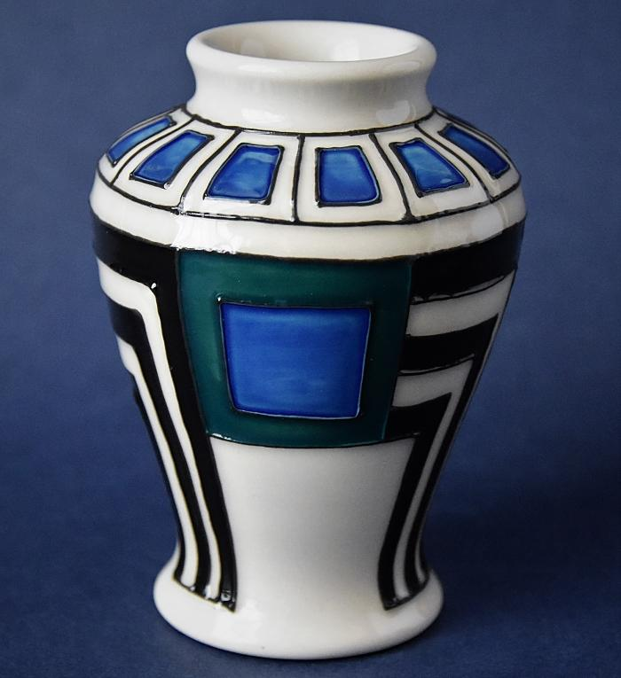 Moorcroft Pottery Mackintosh Collection Modernity 22/3 Emma Bossons Open Edition