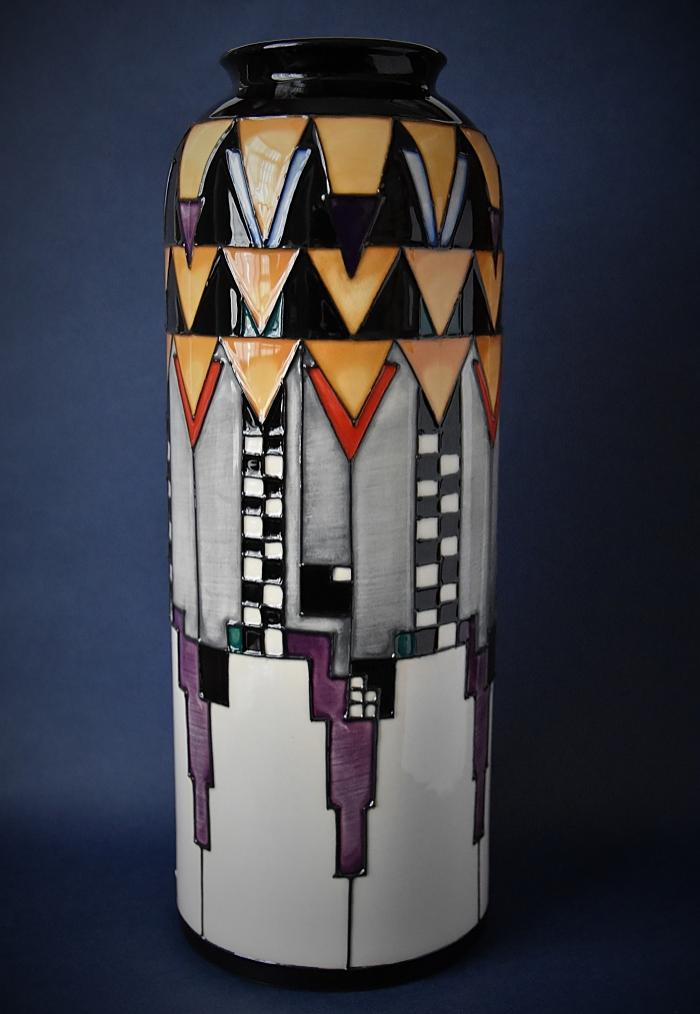 Moorcroft Pottery Mackintosh Collection Derngate 161/11 Emma Bossons Numbered Edition