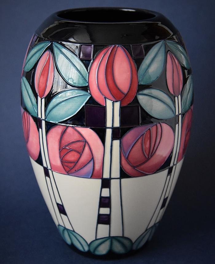 Moorcroft Pottery Mackintosh Collection Kingsborough Gardens 102/7 Emma Bossons Numbered Edition