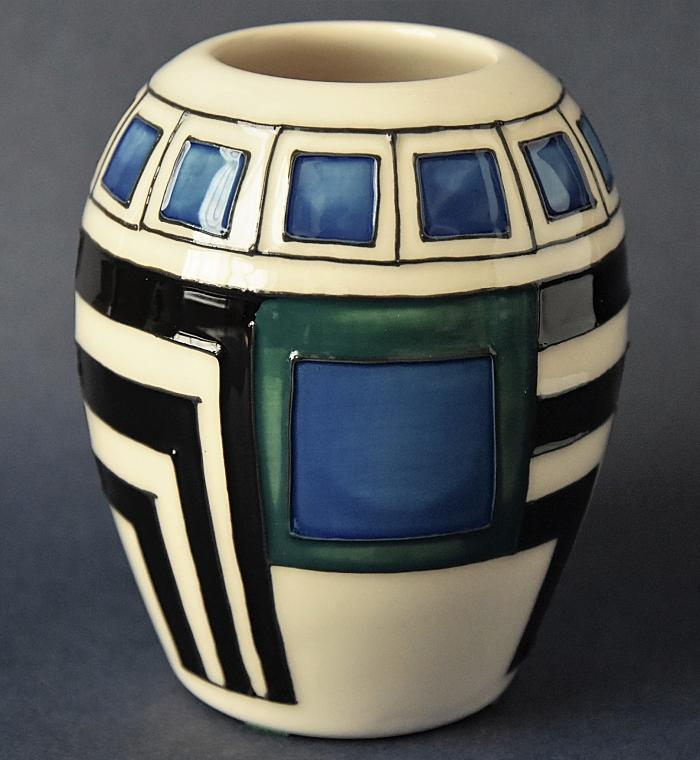 Moorcroft Pottery Mackintosh Collection Modernity 102/3 Emma Bossons Open Edition Order by phone +44 01789 269405
