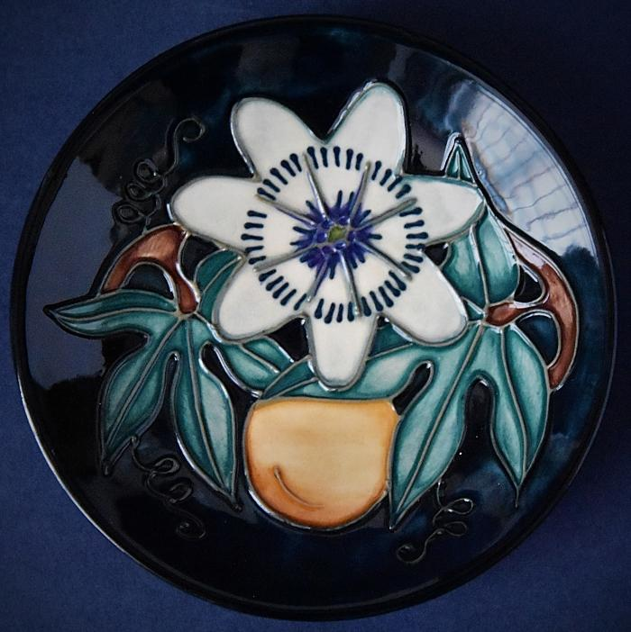 Moorcroft Pottery 780/4 Passion Fruit Rachel Bishop Open Edition