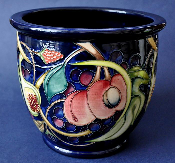Moorcroft Pottery Queen's Choice 530/6 Planter Emma Bossons
