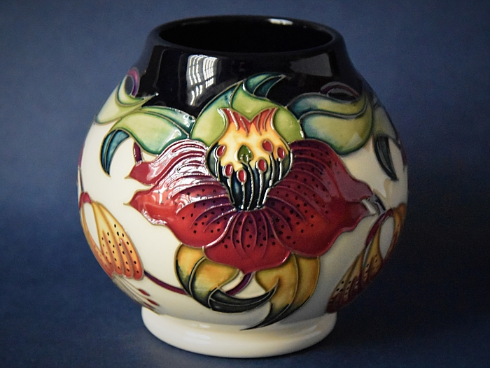 Moorcroft Pottery RM2/4 Anna Lily Nicola Slaney An Open Edition