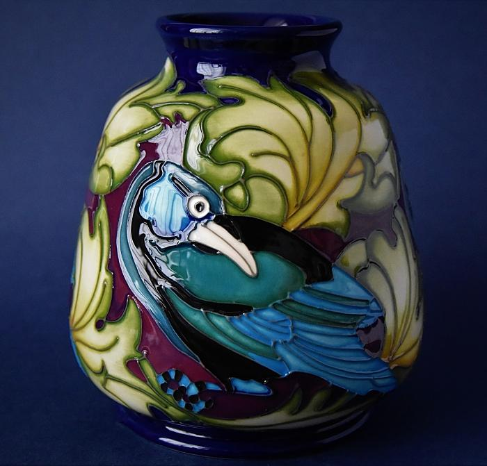 Moorcroft Pottery 198/5 Watchful Eye William Morris Collection Kerry Goodwin A Limited Edition of 25