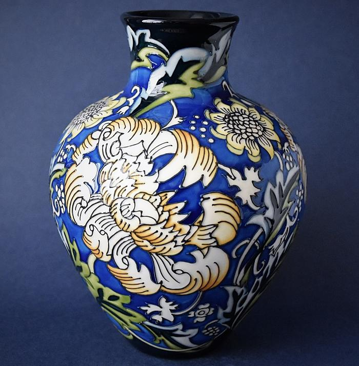 Moorcroft Pottery 265/7 Kennet Vase William Morris Collection Kerry Goodwin A Limited Edition of 25