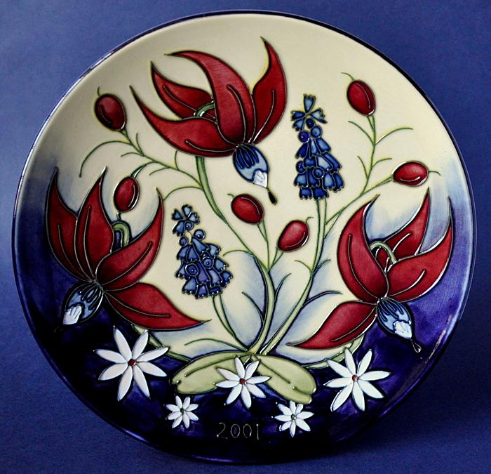Moorcroft Pottery 2001 Year Plate Limited Edition of 750