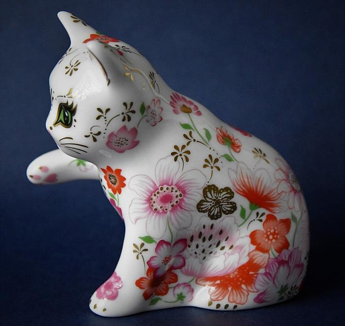 Royal Crown Derby Collector's Club Kitten