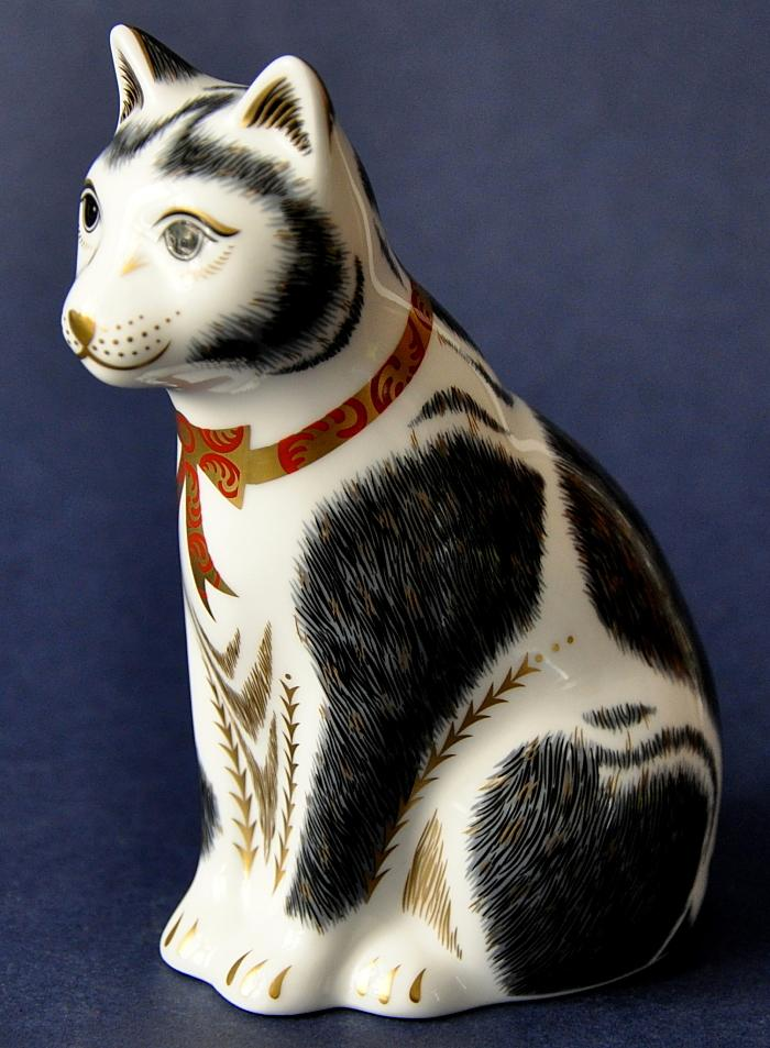 Royal Crown Derby Black and White Mother Cat